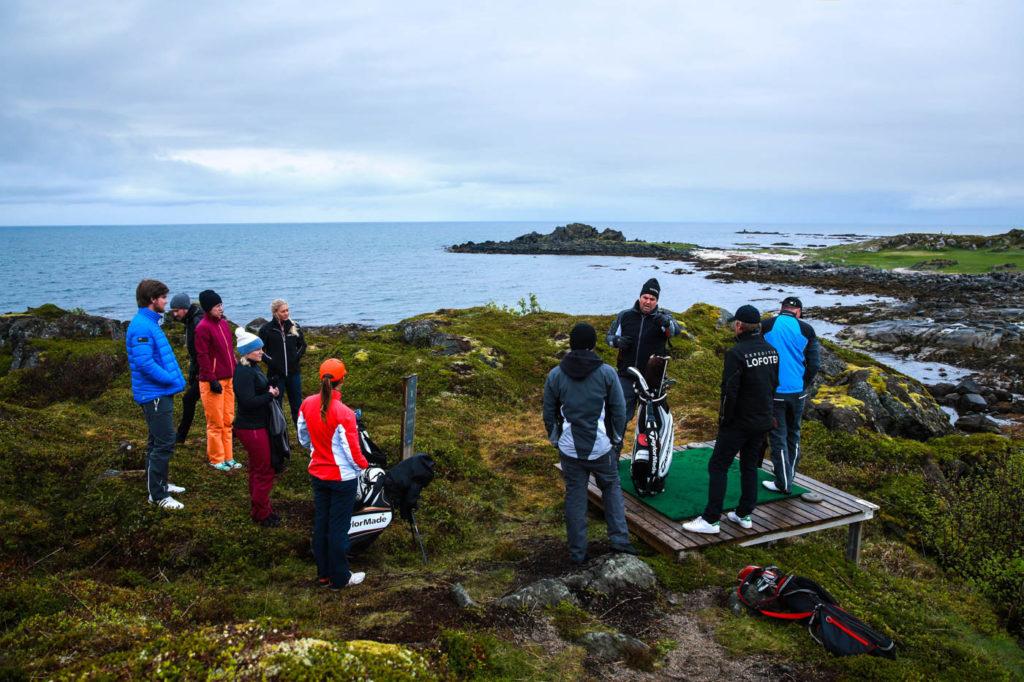 Genomgång för inspelning på Lofotens Links första tee. Galvin Green inspelning inför deras sponsorskap av Ryder cup 2016.