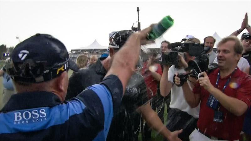 Mattias Brännholm filmar när Henrik Stenson vinner Race to Dubai hösten 2013.